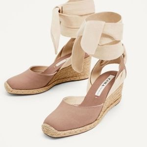 Zara trf. Espadril wedges with a tie on a ankles